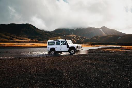 IJsland, met de auto of een compleet pakket boeken?